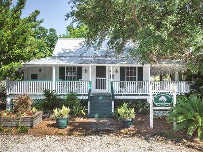 Historic Raney Guest Cottage in Downtown Apalachicola Florida