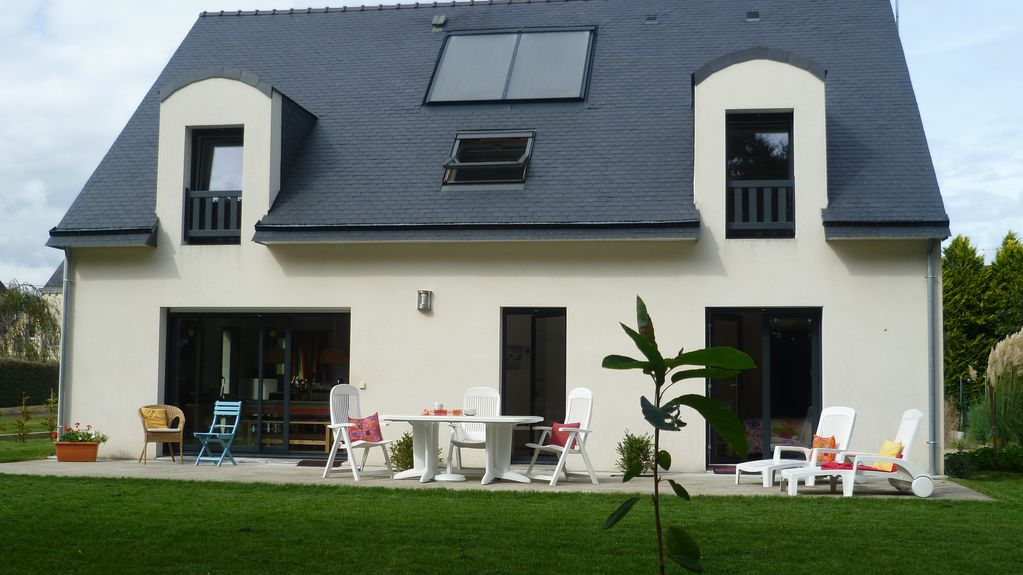 Mo lan sur mer holiday house self catering home with 2 for Jardin 600m2