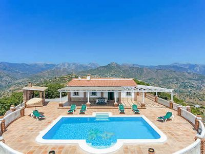 Photo for Traditional rural villa w/ large pool, free Wi-Fi + BBQ , good for exploring