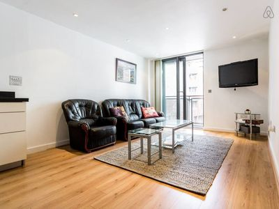 Photo for 2 Bed w/Private Balcony 10 min to Canary Wharf Stn