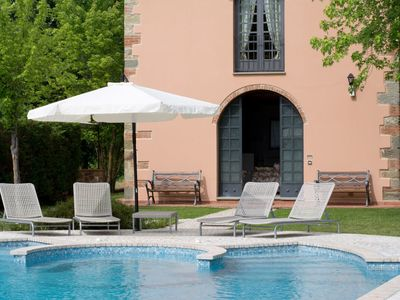 Photo for Tuscan Villa for 4 to 6 with Pool and Tennis Court close to Florence