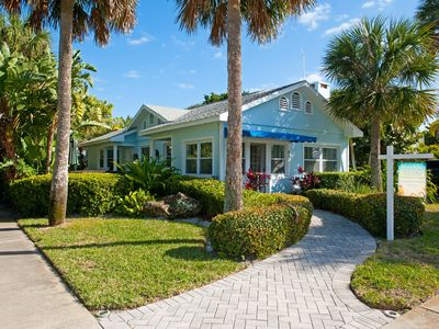 Beautiful Clearwater Beach Home just across from the Beach - Drive to your door.