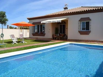 Photo for Villa with Pool in El Pinar de los Franceses (WIFI)