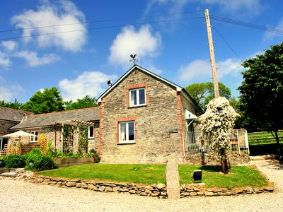 Photo for Beautifully converted Barn in Fowey for 4 or 6 with use of Spa, near beach & pub