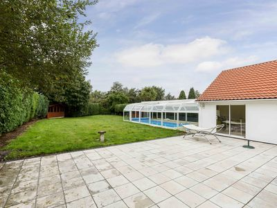 Photo for Sleepy Laurel - The Pool House near The New Forest & Moors Valley Country Park