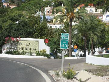 Great town house in stunning hill-top location, on the popular Andalucian coast