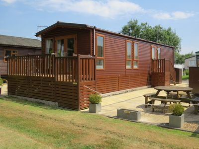 Photo for Luxury lodge next to the River! - nr. William Shakespeare's Stratford-upon-Avon