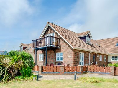Photo for 3BR Cottage Vacation Rental in Brighstone
