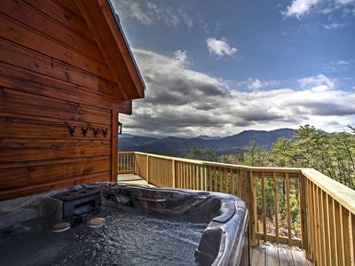 Photo for 'Little Bear Lodge' Pigeon Forge Area- Spa & Views