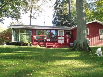 Great Vacation Cottage at Crystal-Clear All-Sports Lake!