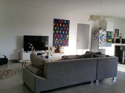 Photo for Contemporary house 10 minutes from Nîmes with tubular pool