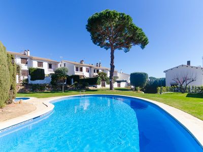 Photo for Club Villamar - Nice and cozy holiday house in Tossa de Mar with beautiful garden and communal pool
