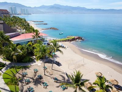 Photo for Couples romantic relaxing vacation at a beautiful resort in Puerto Vallarta.