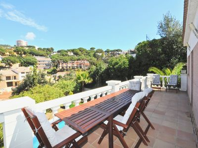 Photo for Villa Genova, 500 meters to the beach, swimming pool, up to 10 people