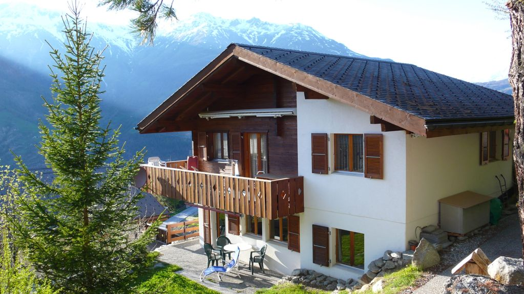 Beautiful Swiss Chalet With Mountain Views Of The Alps
