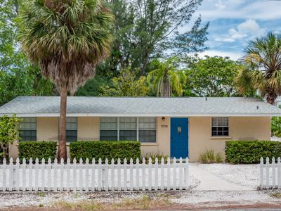 Photo for Anna Maria Island Quiet North End Location with Beach Access Close by!