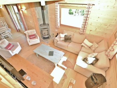 Photo for Stylish 4 bed chalet for up to 8 people close to the slopes.