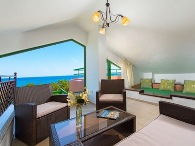 Photo for Beachfront Villa Sea Shell Welcomes You