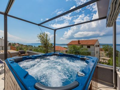 Photo for Holiday apartment with Jacuzzi and sea views