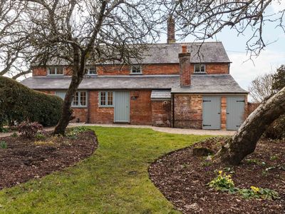 Photo for Wind down in Dorset in this stylish country retreat.
