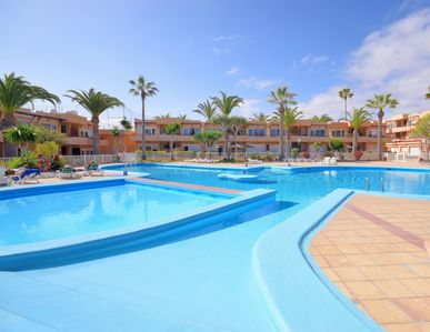 Photo for Beautifully Refurbished Apartment with Freshwater Communal Pool,