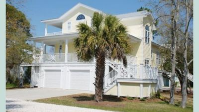 Photo for Home With Walkway To Beach,4 Bedrooms,4 Bathrooms,elevator, New Carpet & Paint.