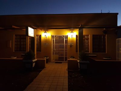 Photo for Woonstel – 2 Single beds, 1 Double Bed, Bath, DSTV