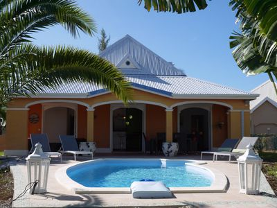 Photo for Charming villa with new swimming pool, neat decoration, secure residence