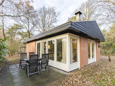 Photo for 4-person bungalow in the holiday park Landal Heihaas - in the woods/woodland setting