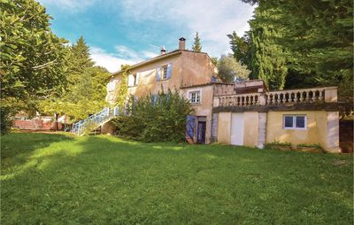 Photo for 5 bedroom accommodation in Menerbes