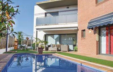 Photo for 4BR House Vacation Rental in Lloret de Mar
