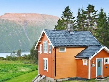 Vacation home Troms  in Gullesfjord, Northern Norway - 6 persons, 3 bedrooms