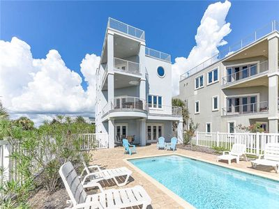 Experience Easy Living at its finest at Beach Treasure! - This extravagant vacation home is the ultimate embodiment of luxury, comfort, and design!