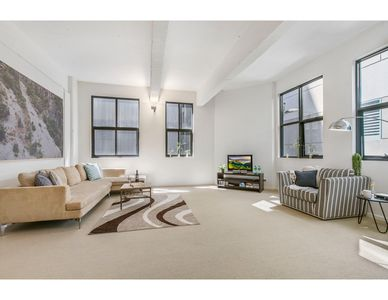 Photo for Contemporary 2-bed apartment on trendy King Street