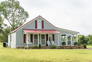 Photo for 3BR Farmhouse Vacation Rental in Columbia, Kentucky