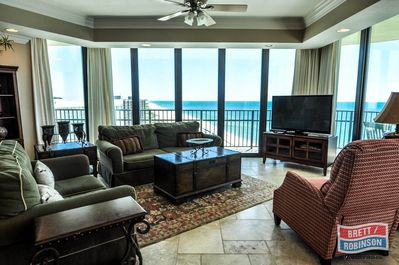 Phoenix IX Condo 1508 Orange Beach living area.jpg