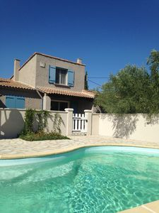 Photo for Villa with pool in the heart of Provence