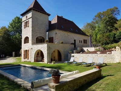 Photo for Moulin de Monsieur, 12 People, Cahors - Quercy, swimming pool 10x3. 5 heated