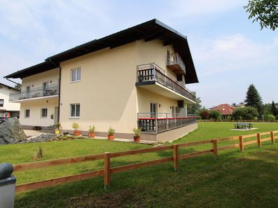 Photo for Lovely spacious family-friendly holiday home near Lake Klopein