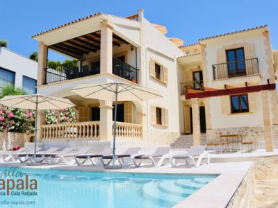 Photo for Villa Xapala. A holiday home in the typical Mallorcan style. Garden, pool.