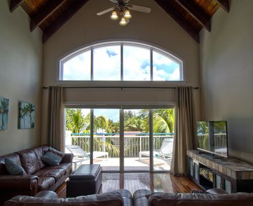 Photo for 3 bedroom Penthouse Condo in the heart of Grace Bay, Carpe Diem