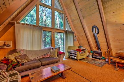 With 1 bedroom and a loft, this property comfortably sleeps up to 6 guests.