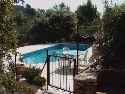 Photo for 3BR Villa Vacation Rental in Lauris, Provence-Alpes-Côte-D'Azur