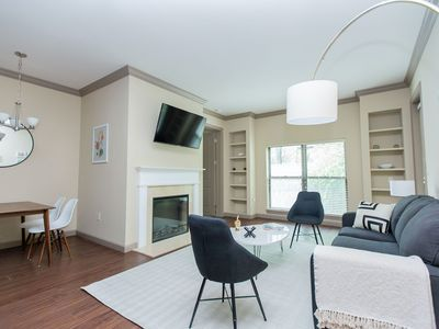 Photo for Kasa | St. Louis | Gorgeous 2BD/2BA Central West End Apartment