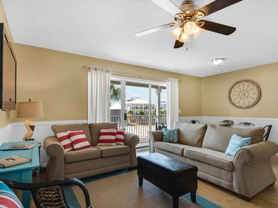 Photo for Family friendly unit close to the Gulf and Eastern Lake!