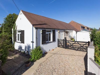 Photo for Beautiful house in Milford on Sea