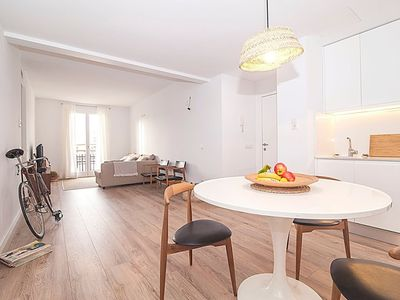 Photo for Apartment in the center of Palma with Internet, Air conditioning, Lift, Parking (648431)
