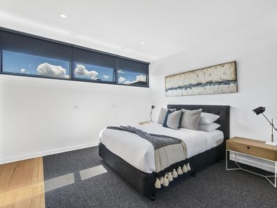 Photo for 1BR Apartment Vacation Rental in St Kilda West, VIC