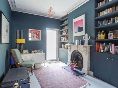 Photo for Chic, Parisian 2 Bed Flat with Garden in Hackney