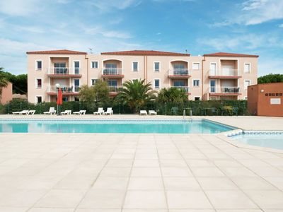 Photo for Seaside apartment with air-conditioning and shared swimming pool